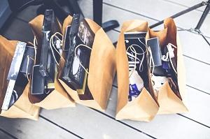 connessione tra shopping e felicità